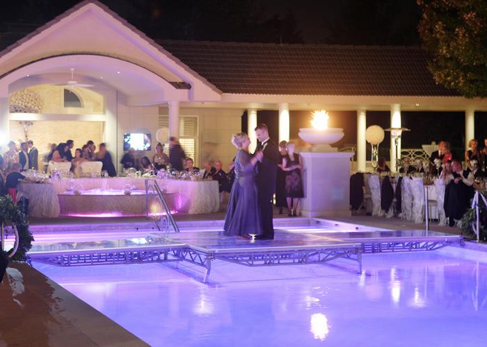 Wedding-dancing-over-the-pool