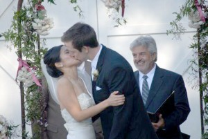 Barn wedding bride and groom2
